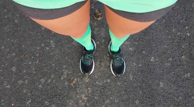 green_sock_nike